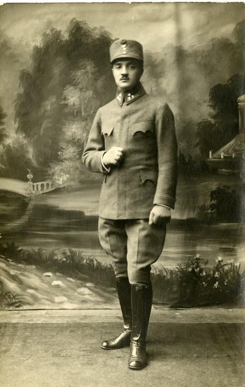 HF023477: Ettore Tonini in divisa dell'Esercito austro-ungarico. Prigioniero a Tambov (Russia), 1916